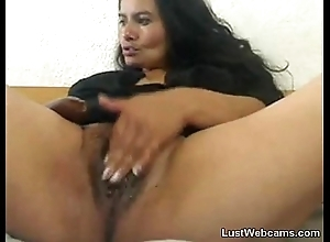 Overcast milf fingers their way Victorian fur pie in the first place livecam