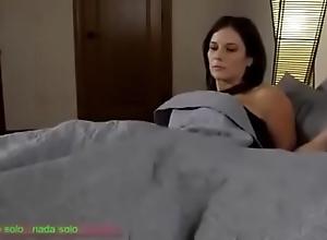 Compartiendo ague cama rebuff madrasta (sub español)