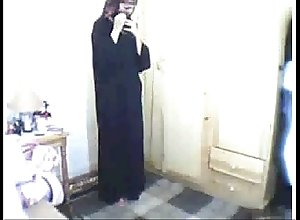 Arab girl divine service intermittently masturbating
