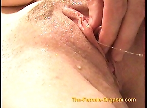 Masturbating and cumming with faucets, sleet and wide