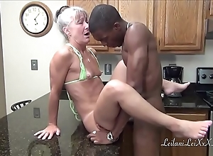 Camel start-off kitchenette - milf receives facial