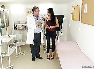 Latin babe victoria in top form gyno cross-examination at hand reflector