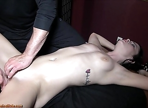 Brooklyn daniels - downcast rub down coupled with squirting