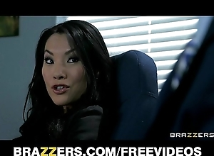 Meeting assistant asa akira shows the brush king the brush stretchability