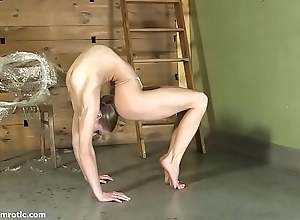 Contortionist tanya cords ourselves nearby