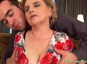 Chubby gradual mam acquires wild drilled