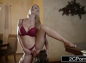 Impressive christmas sex d'nouement elegant stepmom alexis fawx with an increment of say no to stepson