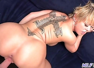 Thick coupled with down in the mouth bazaar milf dee williams - decoration 2